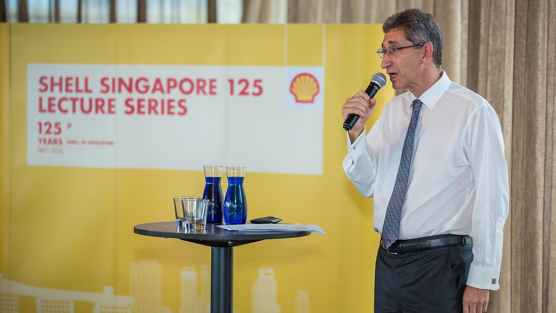 Mark Gainsborough, Shell Executive Vice President, Global Commercial gave the welcome address, highlighting Shell's successes in Singapore over the last 125 years.