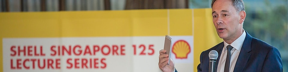David Hone addressing the audience at the Shell Singapore 125 Lecture series