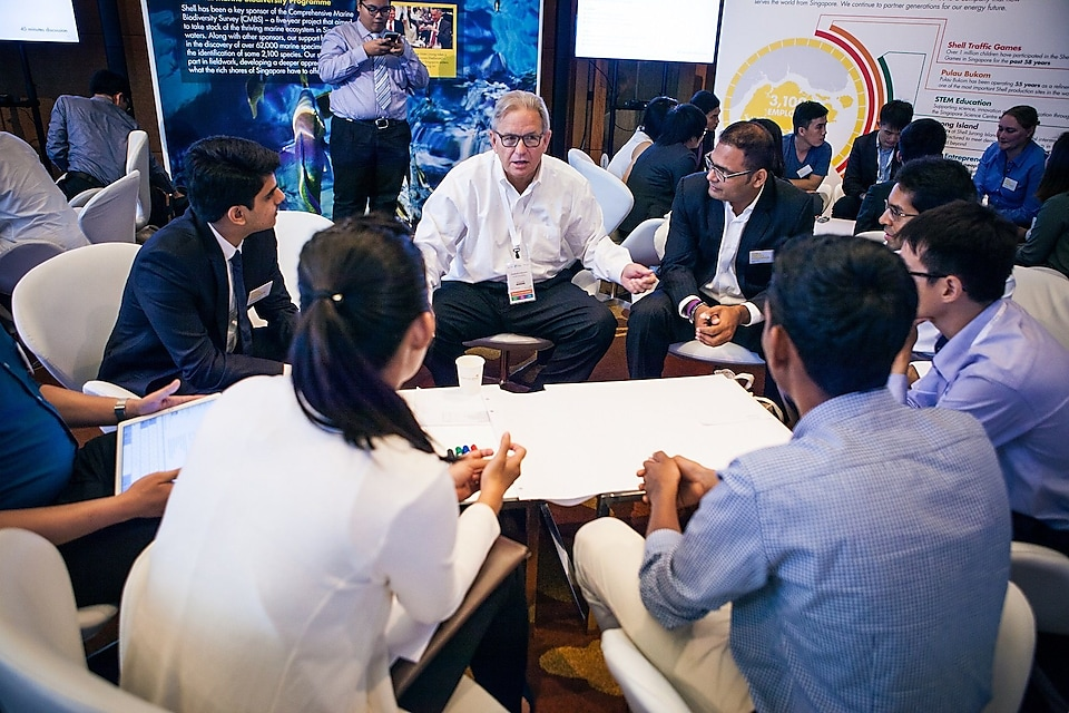 The Shell Youth Dialogue, a dialogue on change and innovation between Shell leaders and the youth of today, also took place at WCS.