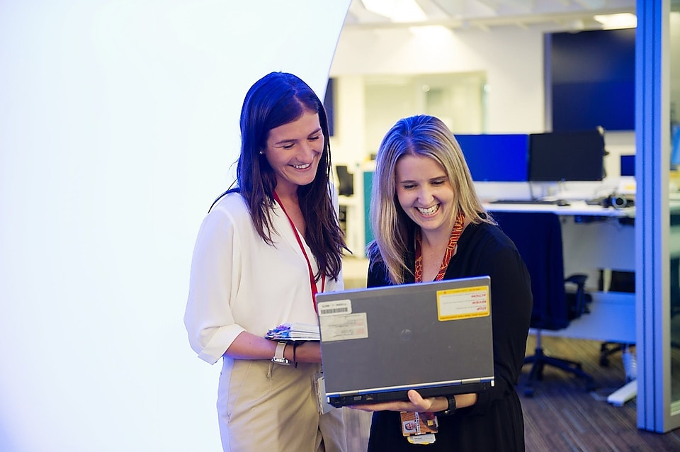 Shell Graduate Samantha Palmer with her mentor Elise-Anne Muir having a discussion