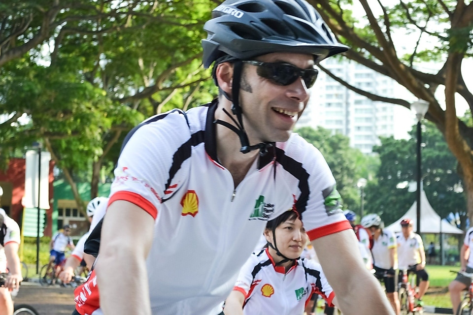 General Manager of Shell Jurong Island Stephen Fowler all smiles at the flag off